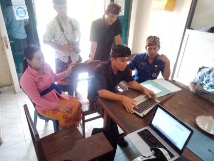 Monitoring system informasi di Desa Penuktukan